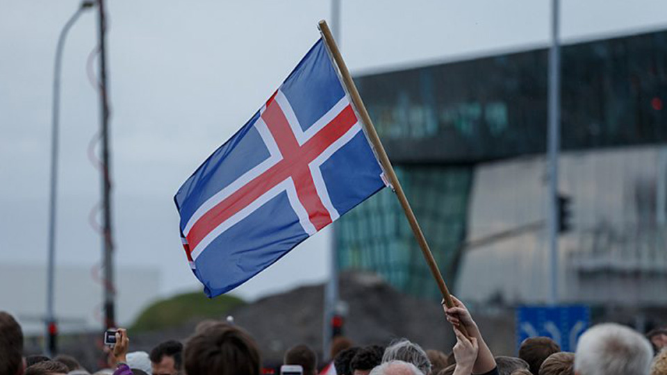 Iceland-just-did-something-incredible-to-promote-equal-pay-1