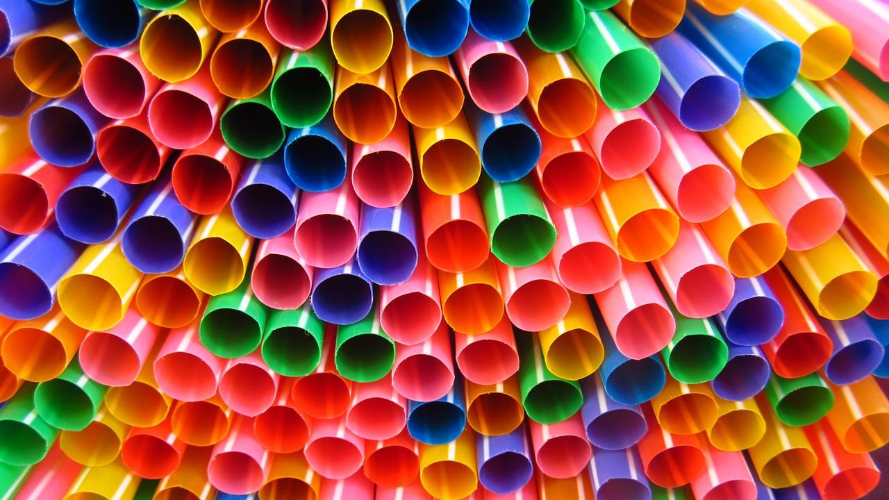 straws-1039328_1280-1